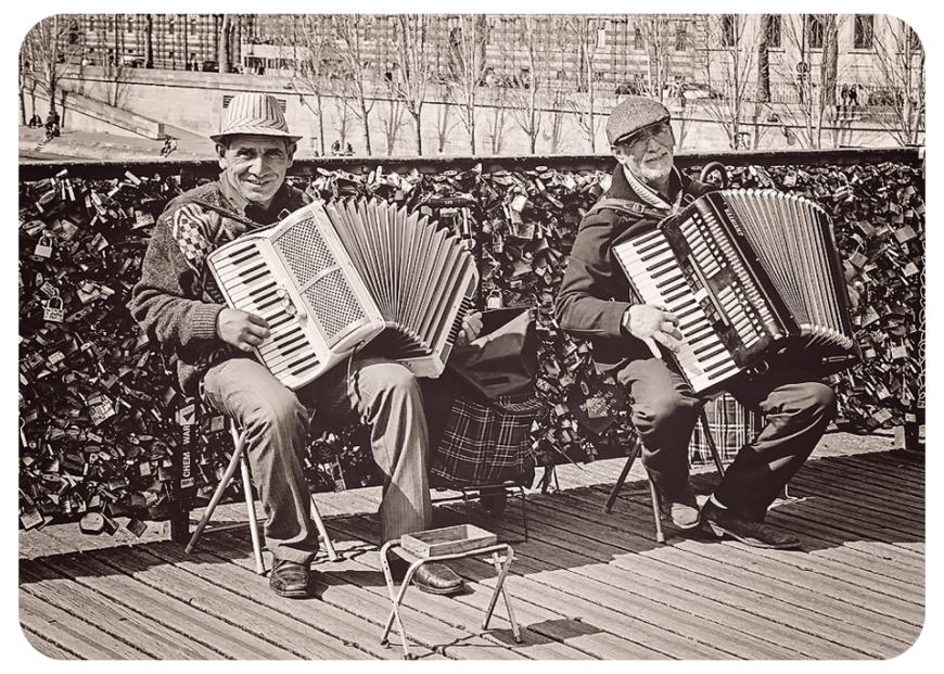 accordianplayersbwFB